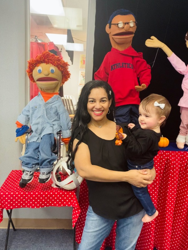 Elayna Fernández and her daughter Elydia at the Puppetry Arts Institute in Independence, MO