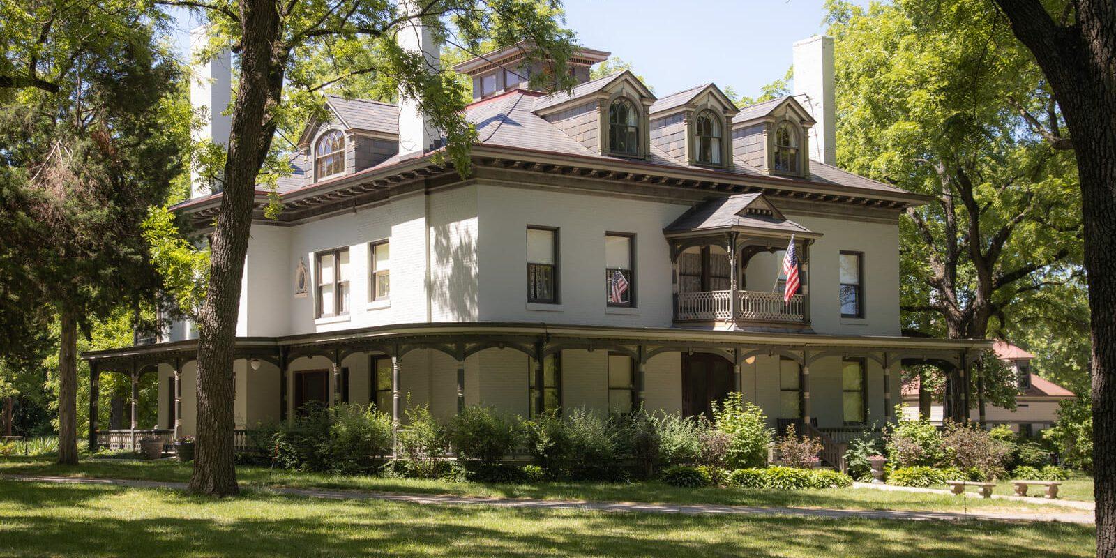 Historic-Homes_Bingham-Waggoner Hero
